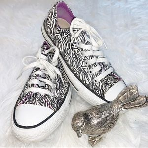 Converse All Stars Sparkle Hearts Sneakers Size 7